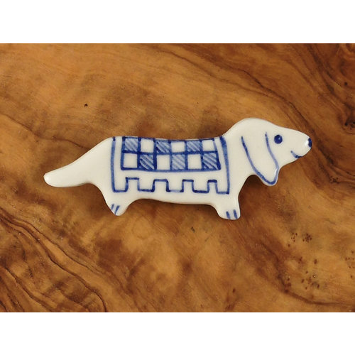 Pretender To The Throne Broche de cerámica Dachshund 074