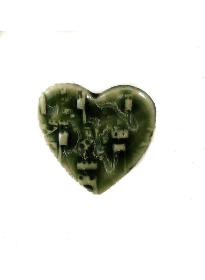 Herz grüne kleine gestempelte Keramikbrosche 087