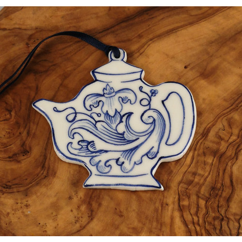 Pretender To The Throne Teapot with pattern Ceramic Decoration   067