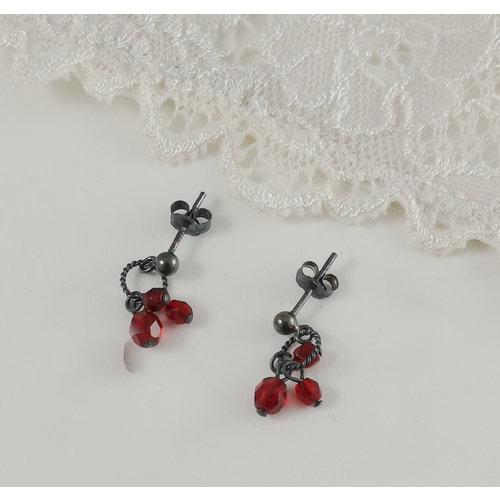 Judith Brown Charm  cluster red  stud earrings 13