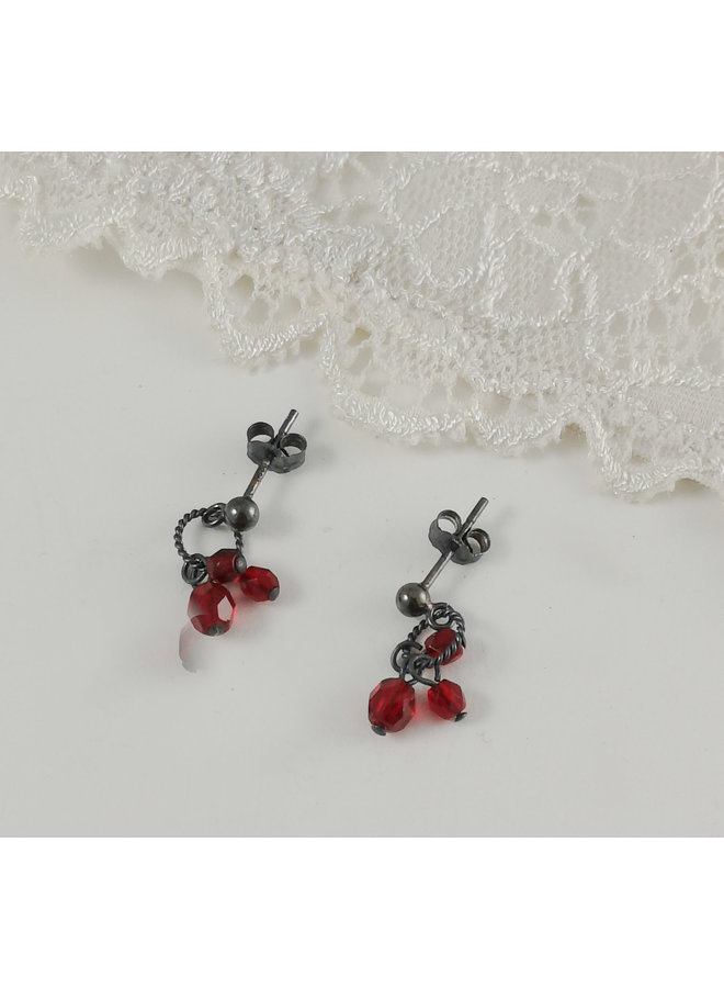 Charm Cluster rote Ohrstecker 13