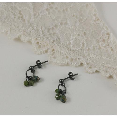 Judith Brown Charm cluster green  stud earrings 14