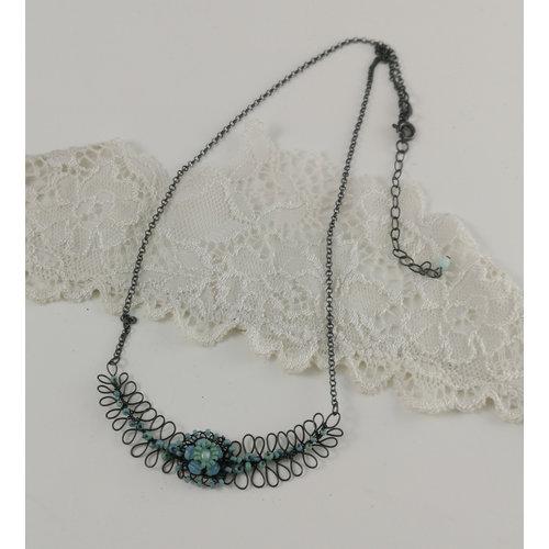 Judith Brown Farn und Blume Aqua und Minze Halskette 01