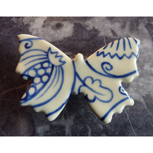 Pretender To The Throne Butterfly ceramic brooch 021