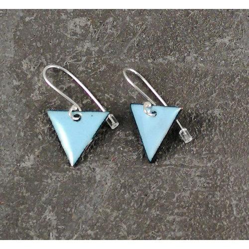 Jane Marshall Pendientes esmaltados triangulares cielo azul 12