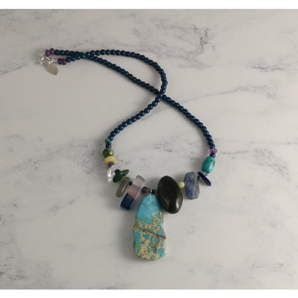 Collar de amuleto de lapis y turquesa 41