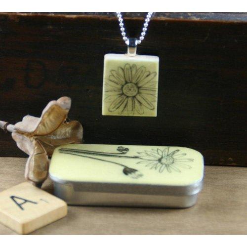 Leigh Shepherd Designs Daisy Scrabble I Tile Pendant and Tin 06