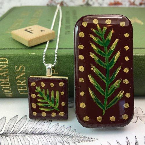 Leigh Shepherd Designs Woodland Burgundy Scrabble Tile O in Tiny Tin 51