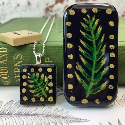 Leigh Shepherd Designs Woodland Midnight Scrabble Fliese T in Tiny Tin 50