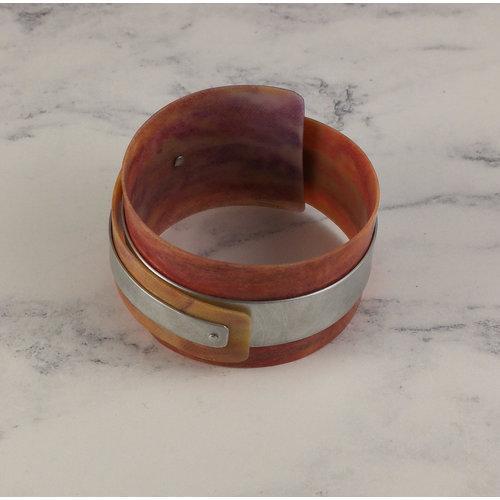 Anna Roebuck Brazalete ajustable lila reclinada - aluminio 18