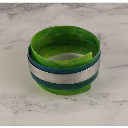 Anna Roebuck Bangle adjustable recylced Emerald - aluminium 17