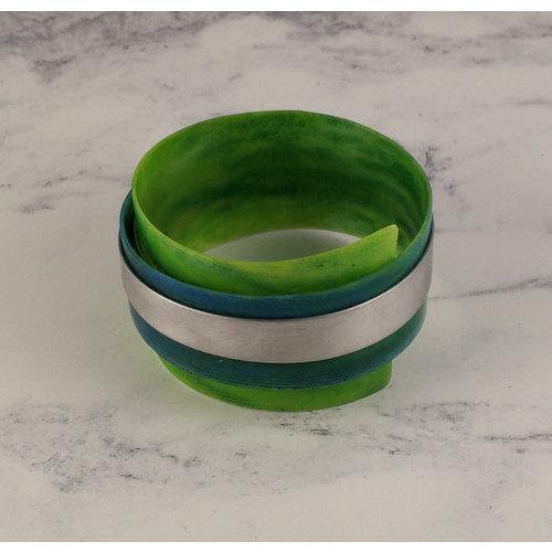 Anna Roebuck Brazalete ajustable esmeralda reclinada - aluminio 17