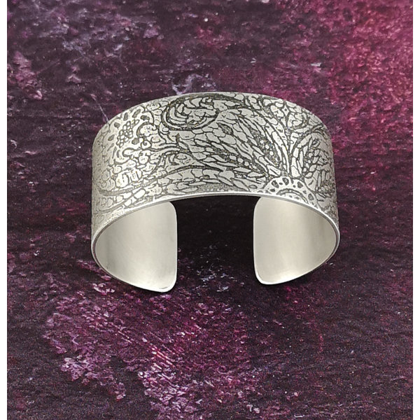 Bangle cuff Lace Scroll light metal 30