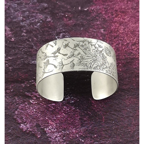 Anna Roebuck Bangle cuff Dandelion light metal 28