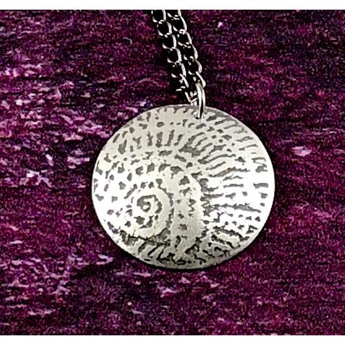 Anna Roebuck Ammonit Metall Lichtkuppel Anhänger 43
