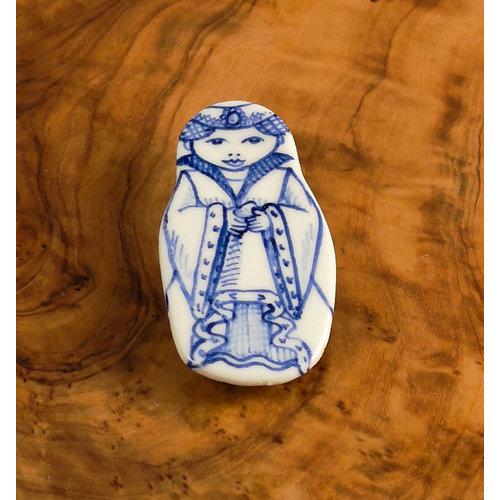 Pretender To The Throne Muñeca de traje con joya broche de cerámica 114