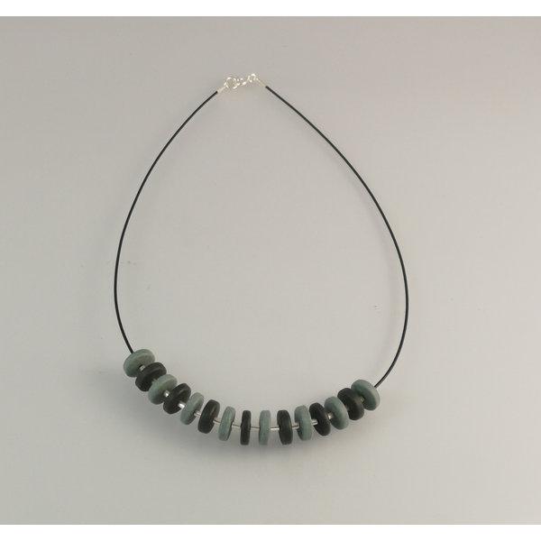 Rondel de pizarra con collar de perlas de plata 24