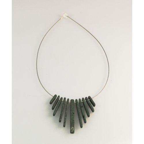 Slate & Silver Franja de varillas de pizarra con incrustaciones de plata collar 20