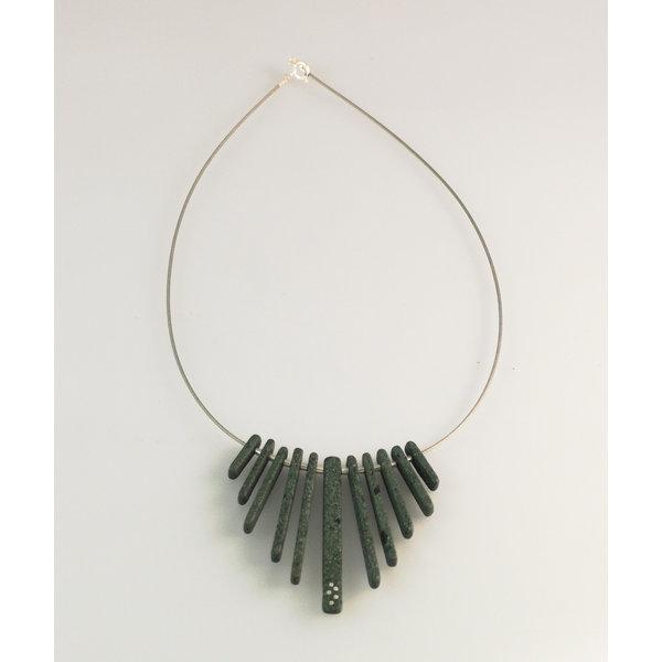 Franja de varillas de pizarra con incrustaciones de plata collar 20