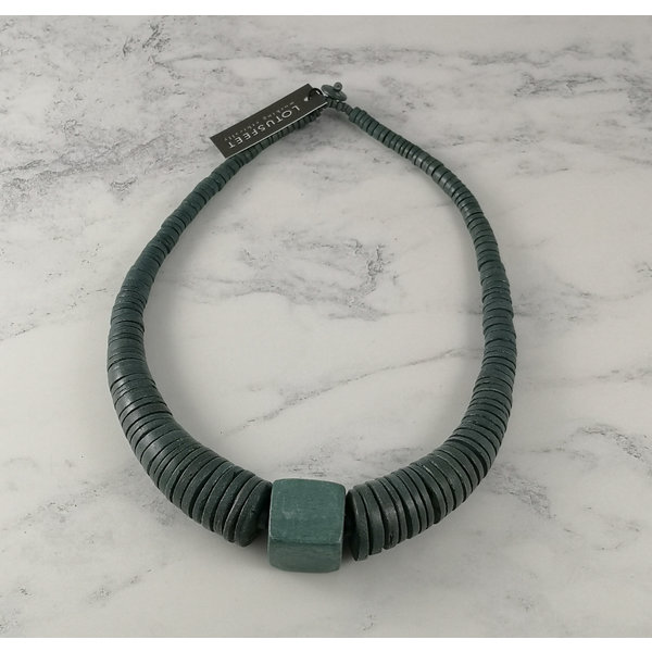 Light Grey circle and square coco necklace 065