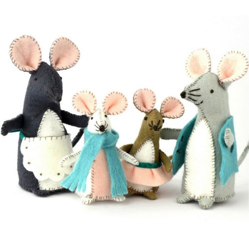 Corinne Lapierre Mouse Family   Felt   Craft  Kit