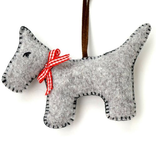 Corinne Lapierre Grey Dog Felt  Craft Mini Kit