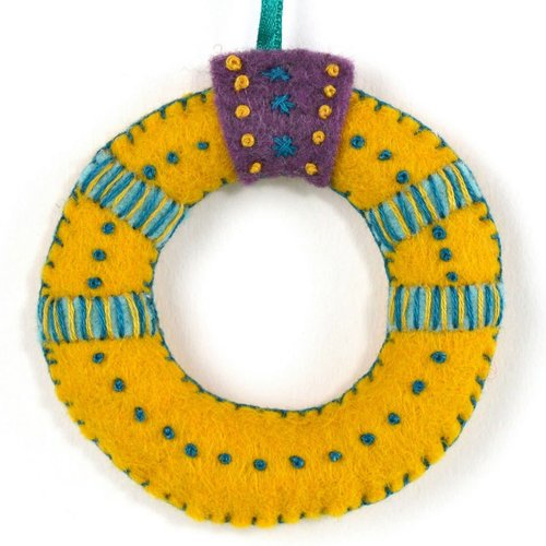 Corinne Lapierre Gold Ring Felt  Craft Mini Kit