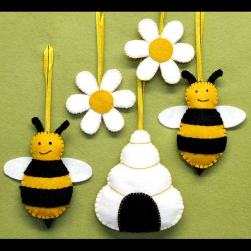 Corinne Lapierre Bees, Hive & Flowers  Felt   Craft  Kit
