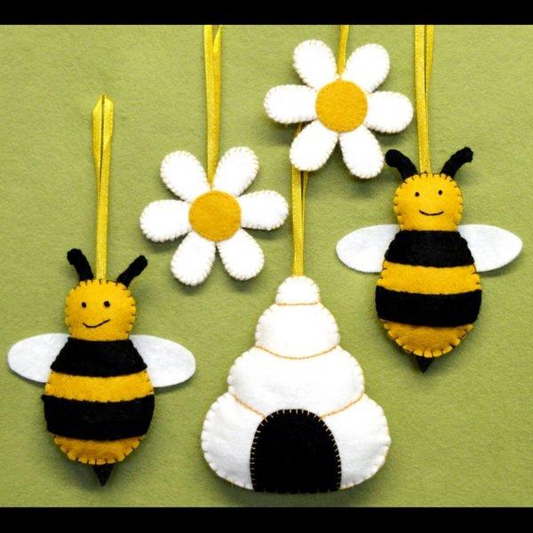 Bees, Hive & Flowers  Felt   Craft  Kit