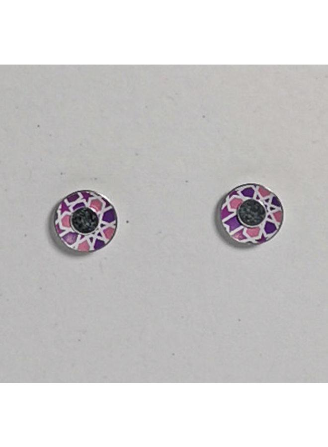 Winzige pinke Zinnohrstecker mit geometrischem Muster und Silber 17