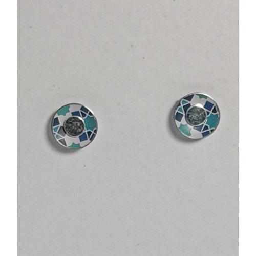 The Tinsmith Zinnohrstecker mit geometrischem Muster und winzigem Blau und Silber 16