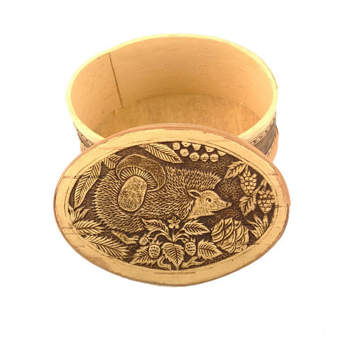 Russian Gifts Hedgehog Oval lidded Birch bark box 126
