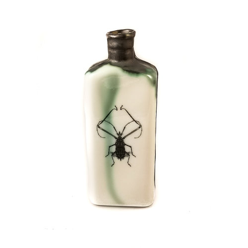 Jillian Riley Designs Frilly Knee Bug bottle 133