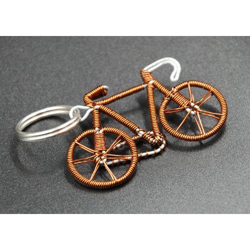 Cylcle Of Good Llavero de bicicleta de alambre de cobre reciclado 04