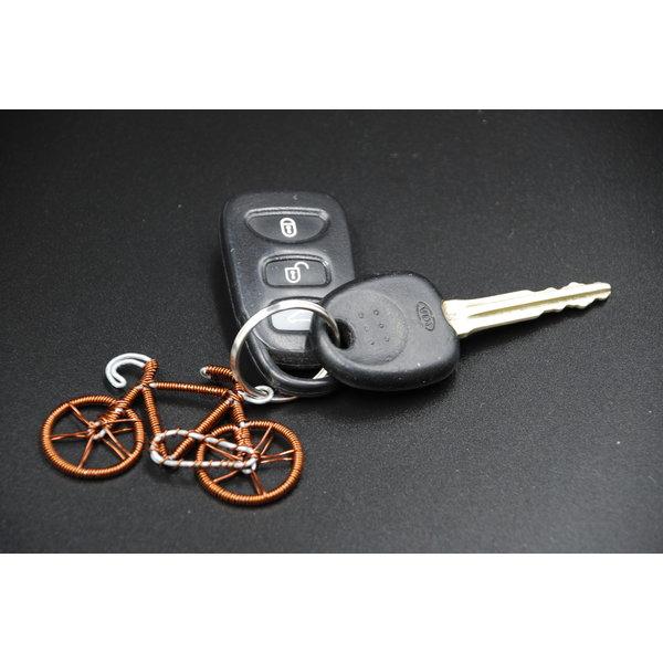Llavero de bicicleta de alambre de cobre reciclado 04