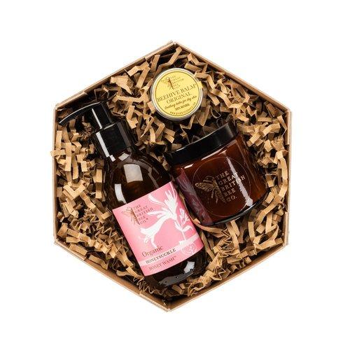 The Great British Bee Co. Juego de regalo de madreselva Bálsamo de cera de abejas, lavado y velas
