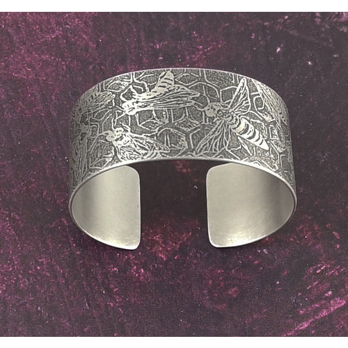 Anna Roebuck Bangle cuff Bee and Hive dark metal 68