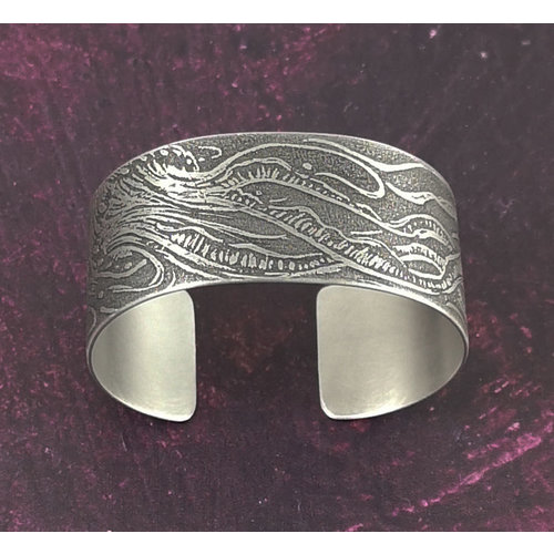 Anna Roebuck Bangle cuff Jellyfish dark metal 69