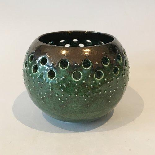 Gabi Komar-Dixon Cuenco de loza de linterna de jade y bronce 08