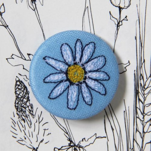 Poppy Treffry Daisy embroidered  badge / brooch 17