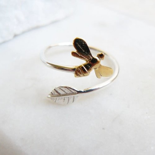 Lime Tree Design Bee and leaf adjustable silver ring 69