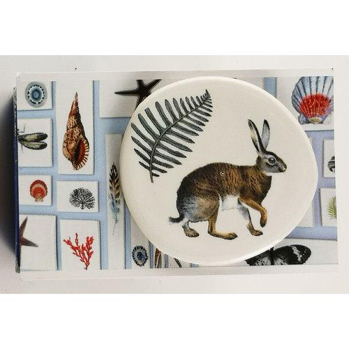 Caroline Barnes Hare and fern ceramic brooch 034