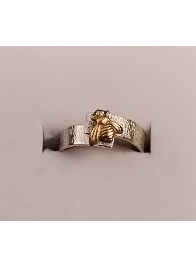 Bee overlap silver ring 34