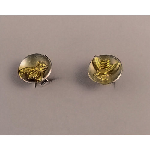 Xuella Arnold Tiny Bee in silver dome circle stud earrings 28