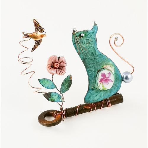 Beastie Assemblage Katze mit Vogel auf Schlüssel Assemblage 032