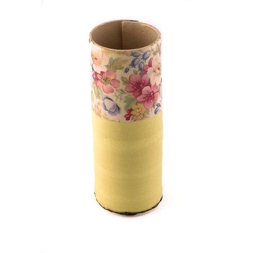 Virginia Graham Florero amarillo con flores mixtas pequeño florero 19