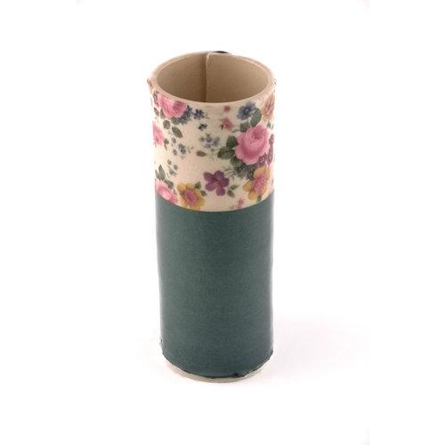 Virginia Graham Florero verde con flores mixtas pequeño brote 20