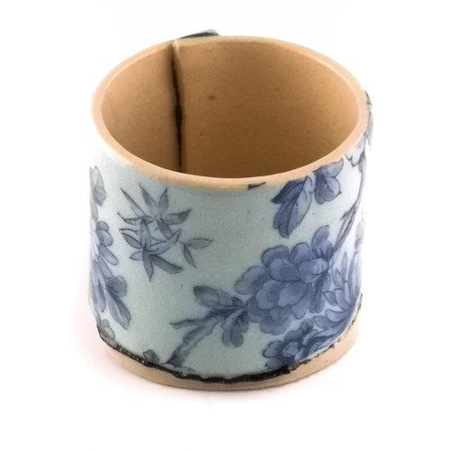 Virginia Graham Hellblau mit blauen Blumen winziger Pflanzer 02