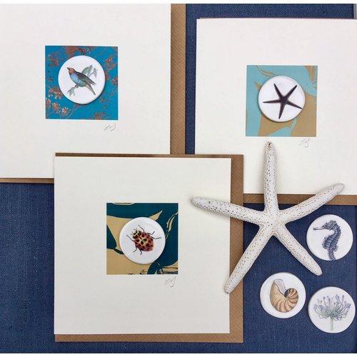 Caroline Barnes Greenfinch bird handmade card with decorative ceramic disc 006