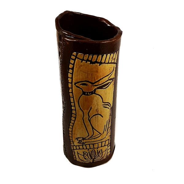 Hase mit großer Blumen Slipware Pod Vase 011
